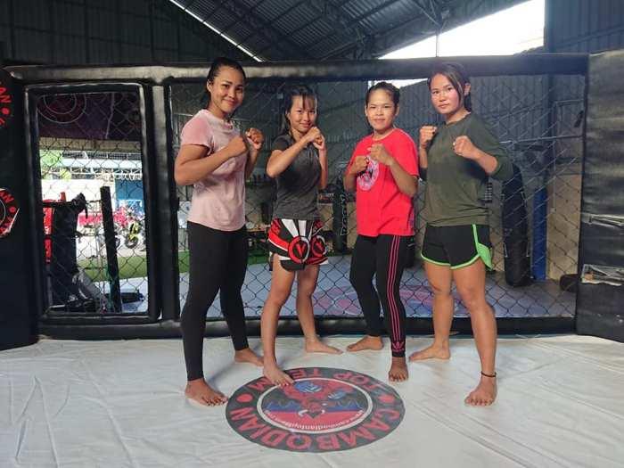 Vy Srey Khouch, Nou Srey Piv, Sam Tharoth Kun Khmer Khmer Komlang